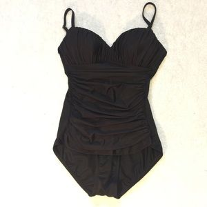 Miraclesuit black ruched sz 8 one piece swimsuit